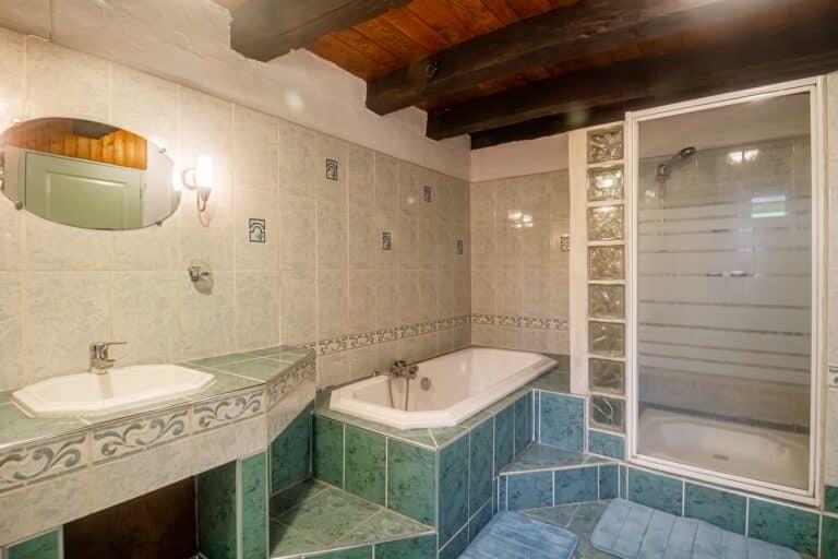 G18_07_salle-de-bains_RDC